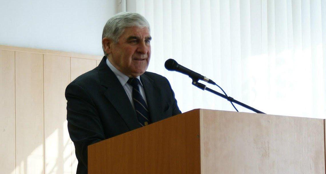 Доктор юридических наук, профессор Михаил Николаевич Марченко выступает перед первокурсниками института на ежегодном научном форуме «Дни науки МГПУ»